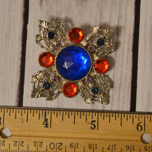 vintage beautiful lucite cab cabochon brooch pin